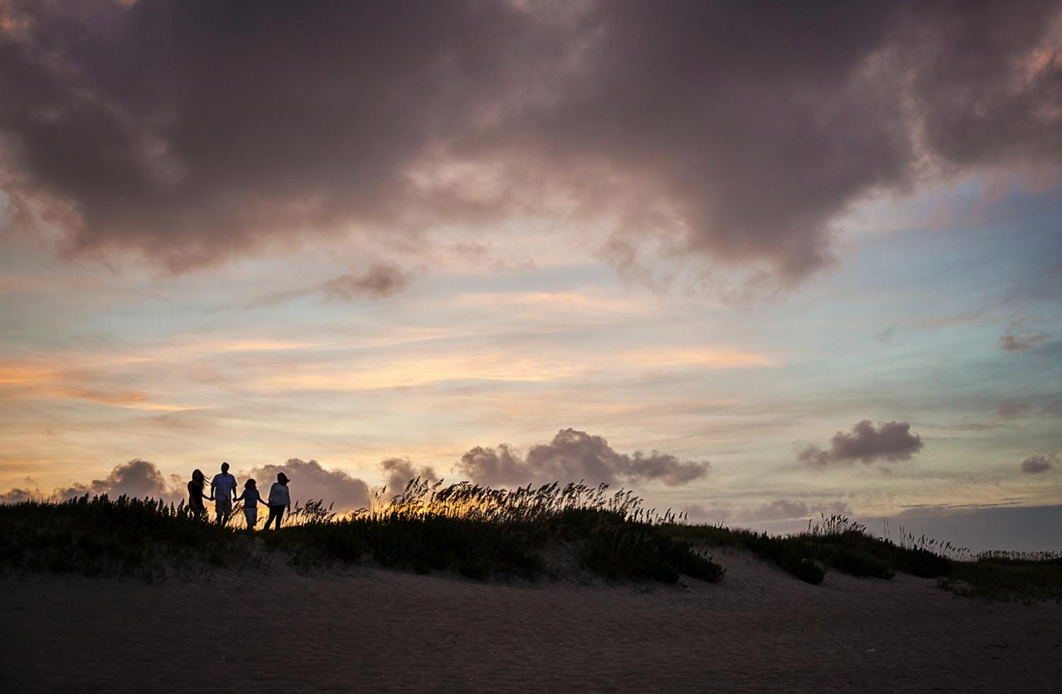Family silhoutte photo in Nags Head NC